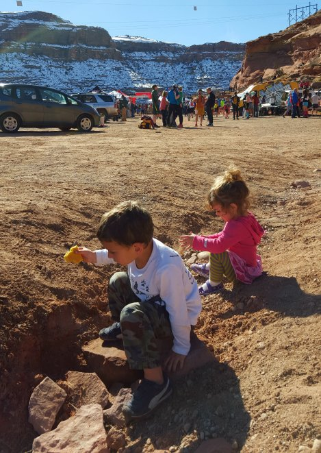 Finding rocks to throw off the cliffs in Moab